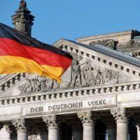 Рейхстаг — памятник воспоминаний и основной символ Берлина