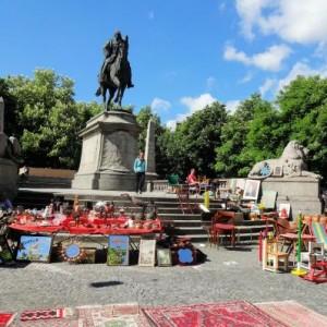 Площадь Карлсплатц в городе Штутгарт