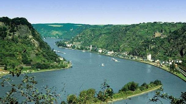 Утес Лорелей (правый берег Рейна)