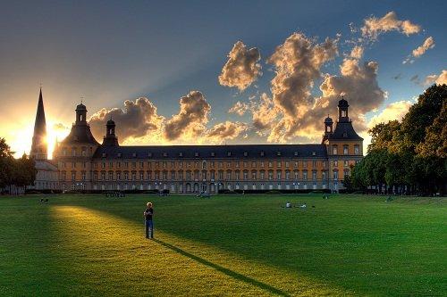 Боннский университет в городе