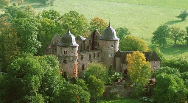 замок Спящей Красавицы – Сабабург