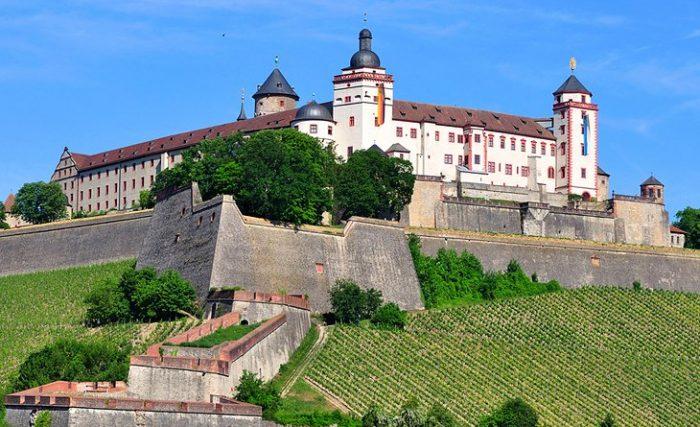 Крепость Мариенберг в Германии