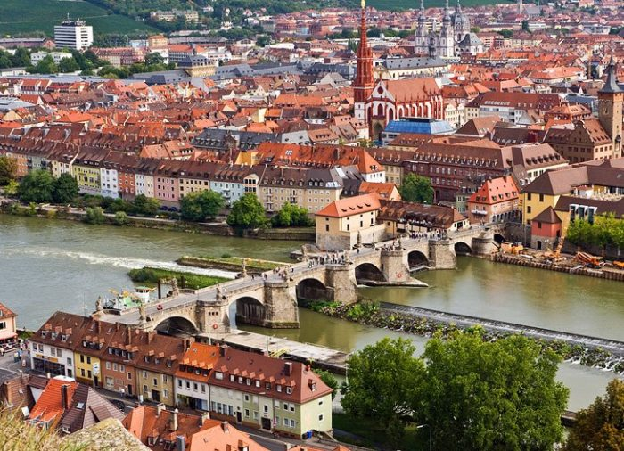 Старый мост через Майн
