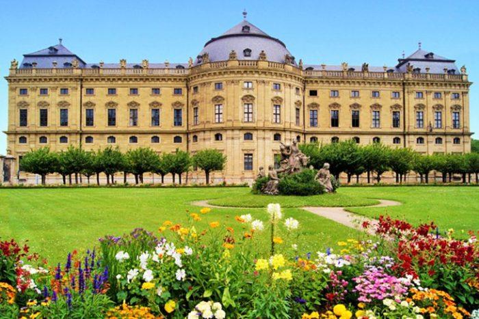 Вюрцбургская резиденция в Германии