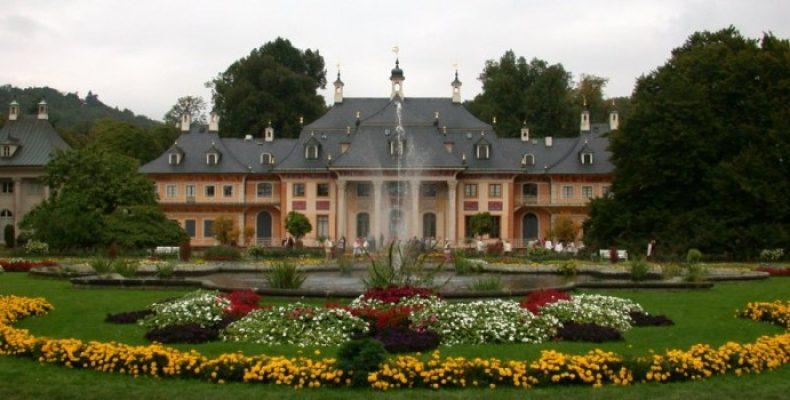 Роскошный замок Пильниц